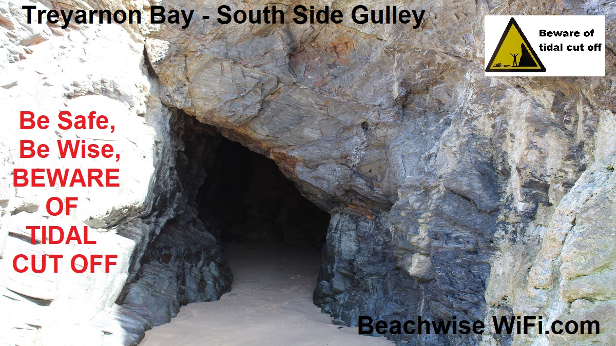 Treyarnon-Gulley-located-on-the-Southern-end-access-from-Mid-Tide-going-out.-Beware-of-tidal-cut-off